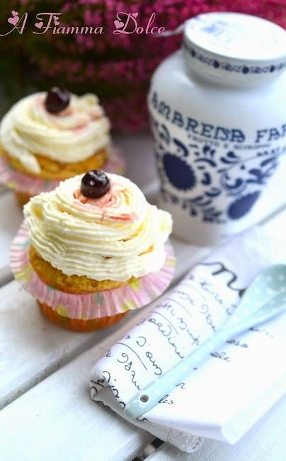 muffin senza uova nè latte all'amarena