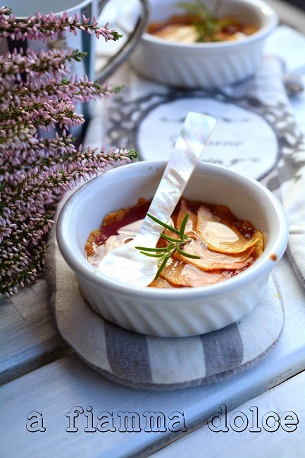 crostatine al rosmarino e mela