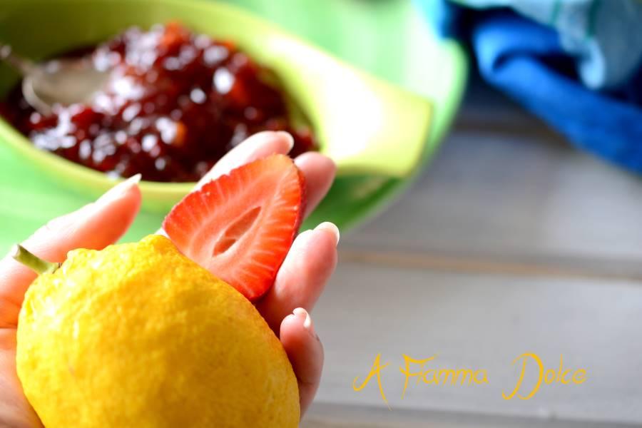 marmellata di limoni e fragole