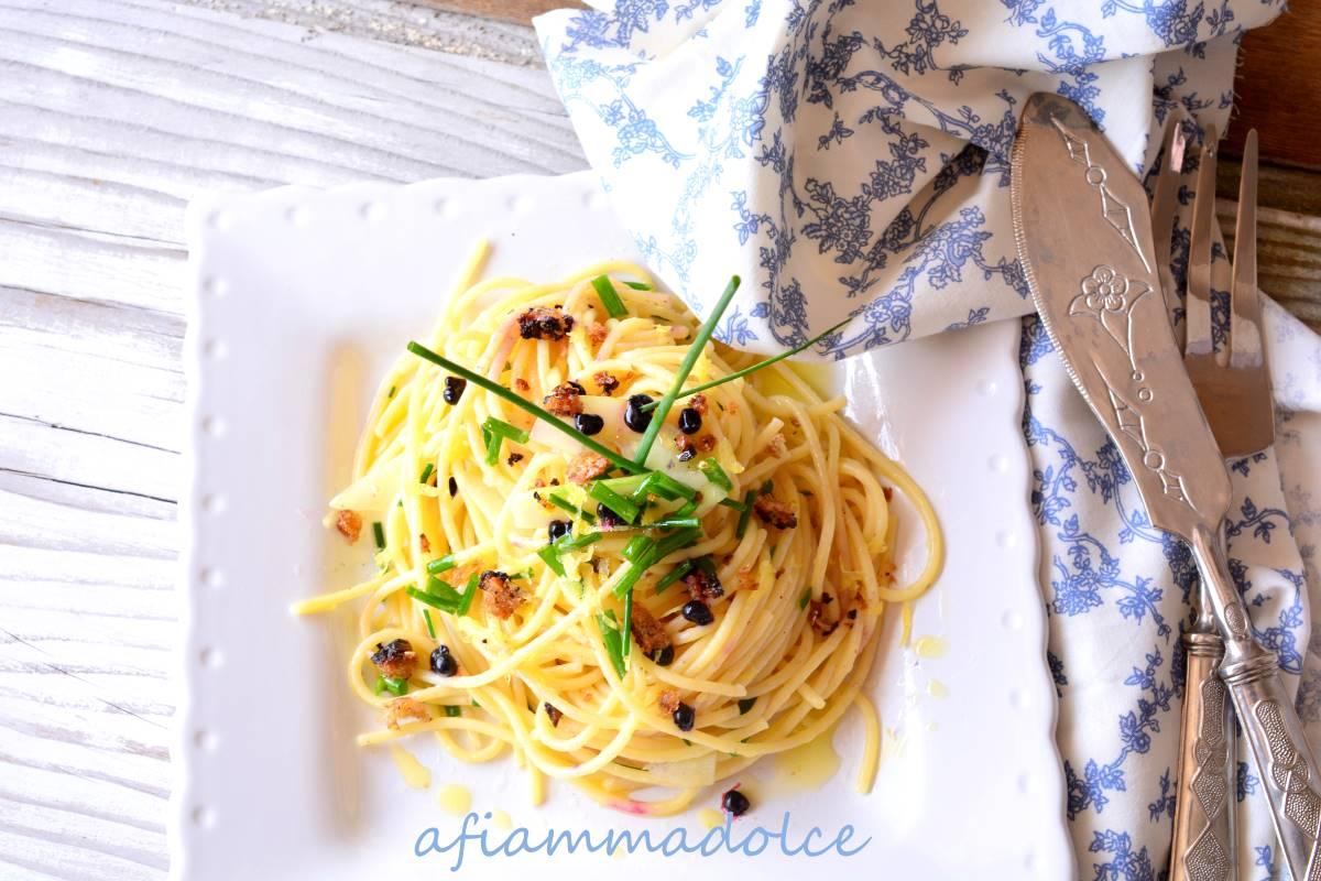 spaghetti al cetriolo ed erba cipollina