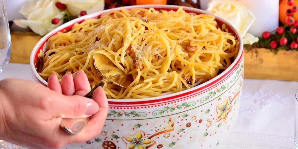 spaghetti alla frutta secca