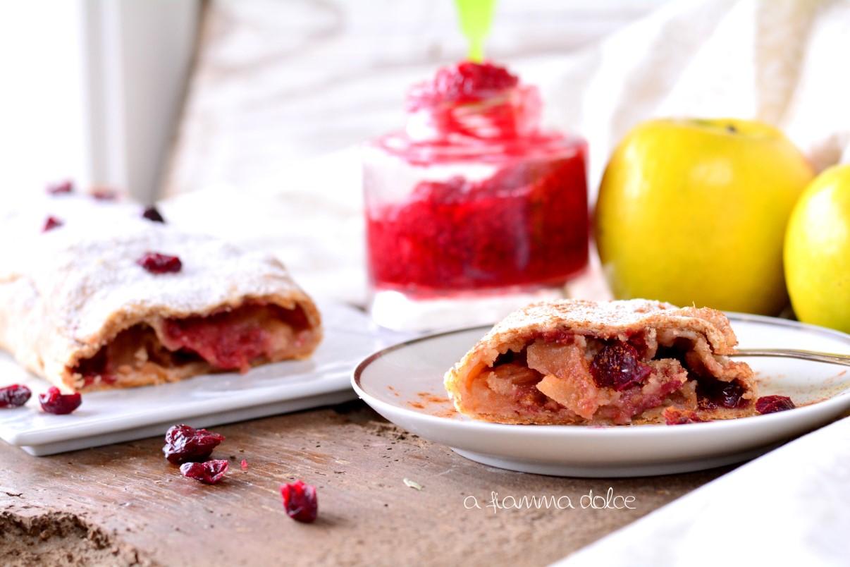 strudel integrale alle mele con marmellata di lamponi